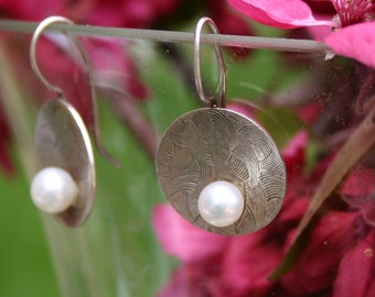 Embossed Silver Earrings - Small Disks with White Pearls