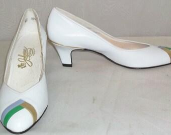 Vintage 1960's Johansen White Leather Shoes Heels Pumps 6 A