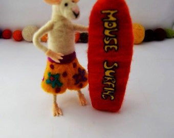Needle Felted Mouse surfing , needle feting, needlefelt, handmade, sheep wool, felted sculpture