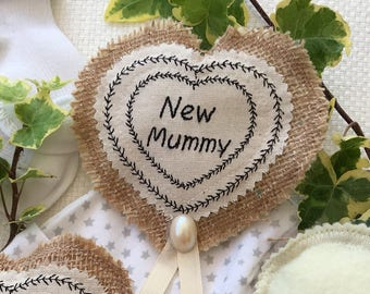 Unusual 'New Mummy' gift badge,  brooch. Lovely gift for the expectant Mum at her Baby Shower.