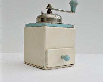Coffee Grinder / Coffee Mill / Coffee / Vintage Grinder / English / kitchen decor / home decor /  Vintage Coffee /