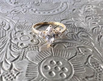 18ct gold Cubic Zirconia diamond ring