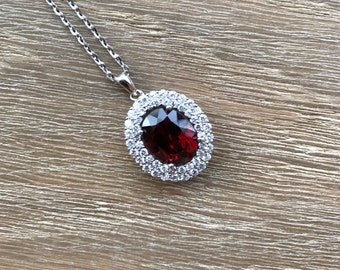 Oval Halo Garnet Necklace- Red Garnet Statement Necklace- Red Faceted Gemstone Necklace- January Birthstone Necklace- Jewlery Gifts for Her