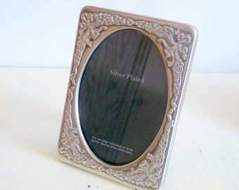 Vintage Beautiful Decorative Picture Frame - Silver Plated
