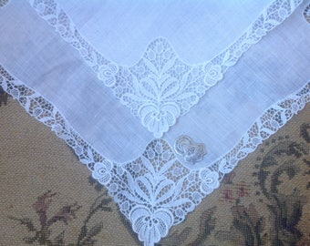 VINTAGE LACE HANDKERCHIEF. Lace - Embroidered Net Lace. Wedding handkerchief. Unused. With tag.
