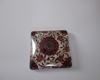 A square 25 mm reason flowers glass cabochon