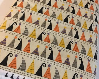 Halloween fabric, Hocus Pocus, Fabric Shoppe fabrics, Moda fabrics, Hats in cream, Choose the cut