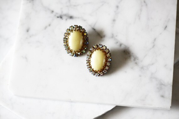 1960s rhinestone clip on earrings // 1960s earrings // vintage earrings