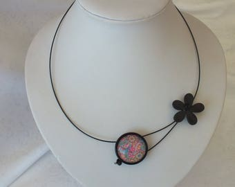 Cabochon necklace, rose tone Paisley design