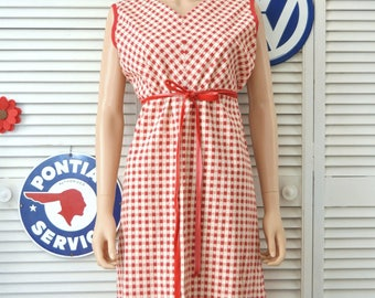 Vintage Women's 60s Mod Shift Dress Red & White Picnic Fabric Pattern Checkered Housewife Costume Theater Handmade OOAK Large XL
