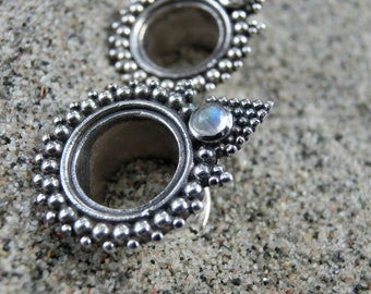 10 mm Silver Tunnels⎜Moonstone