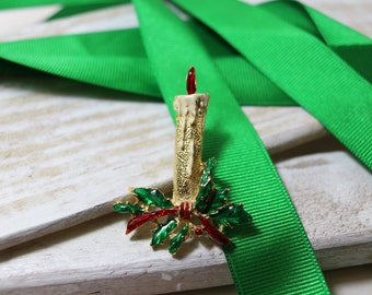 Vintage Candle Christmas brooch, goldtone with holly and ribbon accents, Holiday brooch