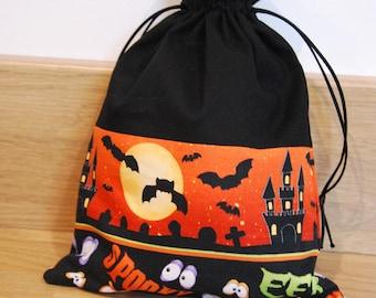 Halloween Bag, Drawstring Trick or Treat Bag, Halloween Gift, Trick or Treat, Gift Bag, Haloween Gift Bag, Party Bag, Haunted House, Bats
