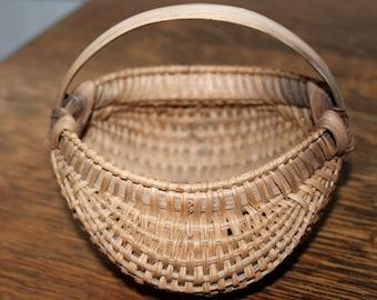Tiny Vintage Oak Buttocks Egg Gathering Basket