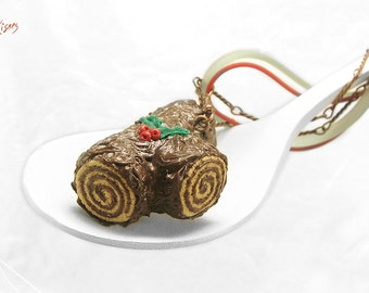 Christmas Yule Log Necklace, Buche de Noel Necklace, Miniature Food Jewelry, Polymer Clay Necklace ,Dessert Christmas Jewelry, Kawaii