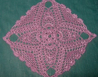 Lavender Square doily, Pineapples, 9 Inches