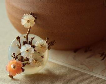 Multi blossom brooches