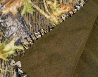 Camouflage w/ Forest Green - Large