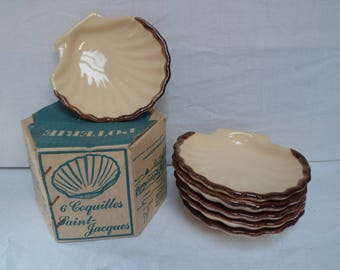6 scallop pottery French Burgundian, vintage baking