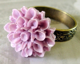 Purple Flower Ring, Purple Cocktail Ring, adjustible ring, Chrysanthemum Ring, Purple Statement Ring, under 15, Floral Ring, Blooming Ring