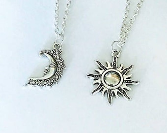 SALE - Set of 2 Sun and Moon Necklace, Couple Necklace, Boyfriend ,Girlfriend , Best Friend Necklaces, Valentine Gift, Christmas Gift.