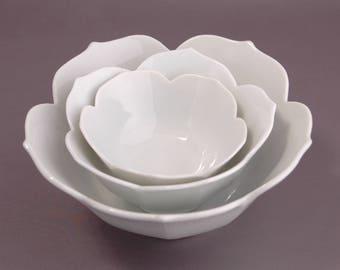 Vintage White Lotus Bowls, 3 Tulip Edge Bowls, Serving Entertainment, MCM Various Size SML Lotus Bowls