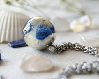 Lapis Lazuli Necklace Botanical Jewelry Terrarium Necklace Nature Resin Necklace Flower Necklace Nature Inspired Gift Terrarium Jewelry