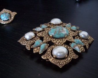 EXQUISITE   Vintage Sarah Coventry Pin and Earring Set