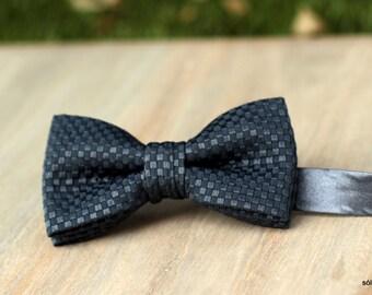 Bow 76. Grey smart. Pajarita hecha a mano con tela de piqué de gran calidad.