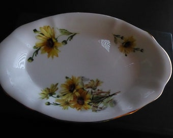 "Vintage Paragon BROWN EYED SUSAN 8 1/4"" X 5 1/2"" oval Tray Circa 1965"