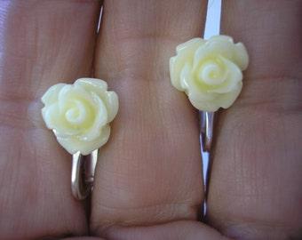 "Play Earring - Clip or Pierced - Rosebud - Ivory - 3/8"""