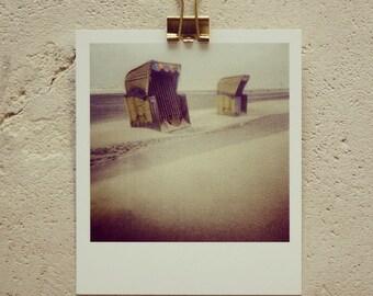 Postkarte YellowBeach, kleiner Kunstdruck in Polaroidoptik, mit gelben Strandkörben