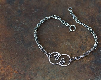Wire Wrapped Chain Bracelet With Stylized Snakes Tail Ornament, Layering Bracelet in Solid Sterling Silver, Artisan Handmade Jewelry