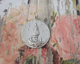 Caridad del Cobre OUR LADY of CHARITY vintage Catholic pendant medal - 20mm silver finish metal made in Italy