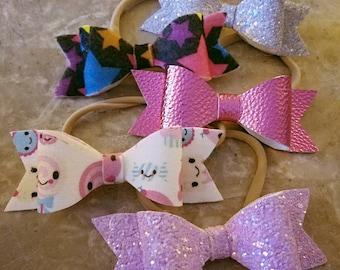 Lot of 5 Baby headbands, GRAB BAG, baby bows, nylon headbands, chunky glitter, faux leather, felt bows, photo prop, toddler headband bows