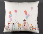 Coussin enfant avec ballons multicolore,cirque,parade,déco enfant