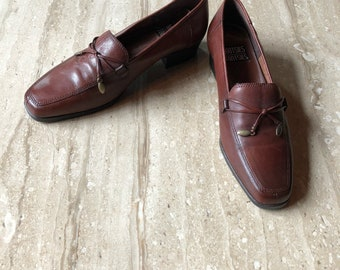 Mootsies Tootsies Brown Leather Loafers, Women's Slip On Shoes, Bown Tassel Flats