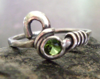 GREEN IVY - Peridot Ring, Silver Ring, Sterling Silver Ring, Green Peridot Ring, Antiqued Finish, Artisan Ring, Hand Formed Silver Ring