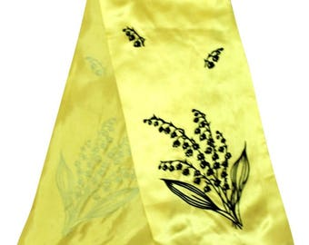 1970s Gold and Black Skinny Scarf / Floral Motif / 70s Scarf / Skinny Silky Sunshine Yellow Scarf with Embossed Velvet Detail
