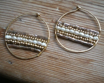 Freshwater pearl hoop earrings // Freshwater pearl jewelry // brass hoops // Freshwater pearl