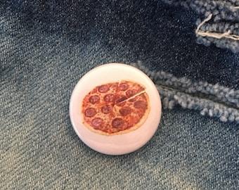 PIZZA         1 inch pin back button, delicious pepperoni pizza,