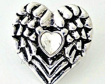 Heart snap charm fits regular sized Ginger Snaps jewelry, Noosa jewelry, Magnolia & Vine plus other 18-20 mm snap jewelry. 20 mm snap charm