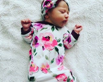 Baby girl outfit / newborn girl outfit / floral onesie / baby girl sleeper / sleeper / baby girl onesie / baby girl clothing / baby outfit