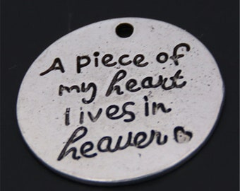 20pcs Antique Silver A Piece Of My Heart Lives In Heaven Pendants Words Message Charms Pendant A75