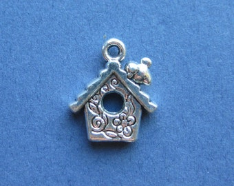 10 Bird House Charms - Bird House Pendant - Bird House - Animal Charm - Antique Silver - 17mm x 14mm -- (N.76-10567)