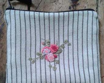 Project bag - Striped hand embroidered wool purse