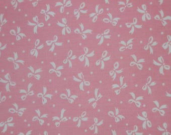 Cute Pink with White Bows Individual Fat Quarter – 100% Cotton