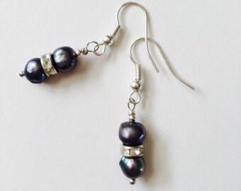 Grey Freswater Pearls Earrings.