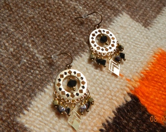 Native American-inspired Matte Gold-tone/Black Swarovski Crystal Dangle Chandelier Earrings