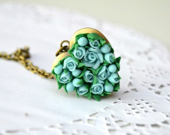 Heart locket necklace. Mint turquoise roses flower locket necklace pendant. Vintage locket. Flower locket. Photo locket. Roses jewelry